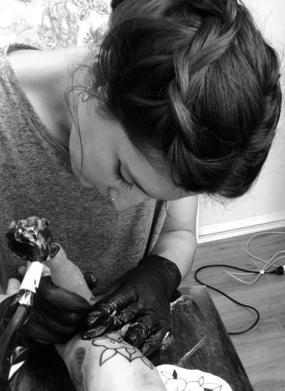 Juanita Plata - Trece Tatto Torremolinos